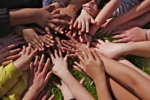 1330423_childrens_hands_1-2